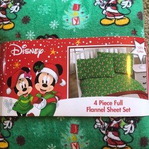 Disney Mickey Mouse Christmas Flannel Sheet Set